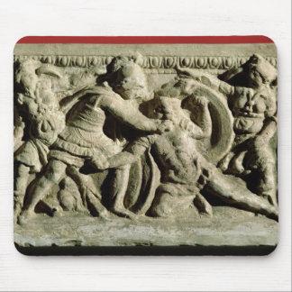 Escena de batalla de una urna cineraria Etruscan Tapetes De Raton