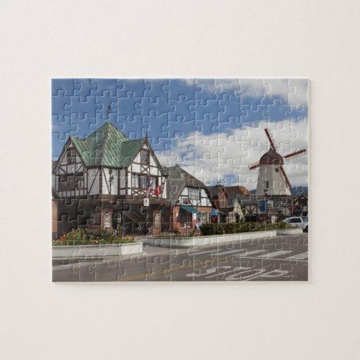 Escena de la calle de Solvang histórico, 'el danés Rompecabezas