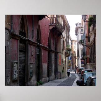 Escena de la calle de Verona, Italia Posters