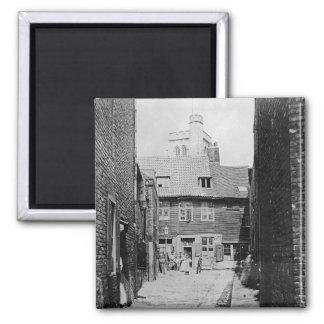 Escena de la calle en el Victorian Londres Imán Cuadrado