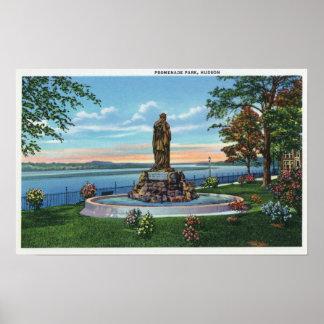 """Escena de la estatua en parque de la """"promenade"""" poster"""