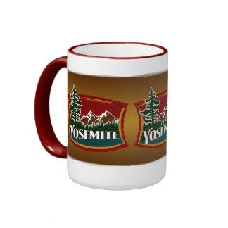 Escena de la montaña del parque nacional de Yosemi Tazas De Café