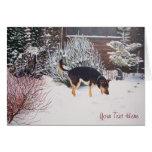Escena de la nieve del invierno con el perro negro tarjeta pequeña