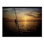 Escena de la pesca de la salida del sol tarjeta postal