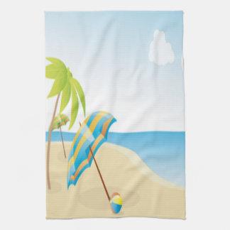 Escena de la playa con el paraguas, las palmeras y toalla de cocina