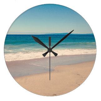 Escena de la playa de la aguamarina reloj de pared