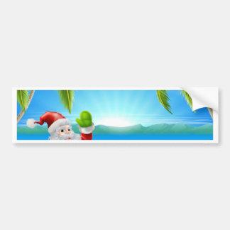 Escena de la playa de Santa del navidad del verano Etiqueta De Parachoque