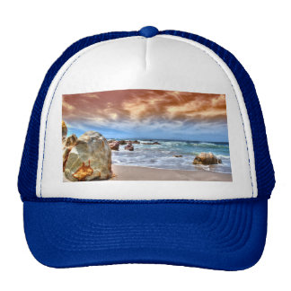 escena de la playa del gorra del camionero