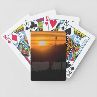 Escena de la puesta del sol de la visión aérea de baraja de cartas bicycle