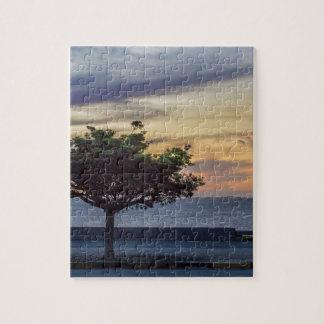 Escena de la puesta del sol en el paseo marítimo rompecabeza