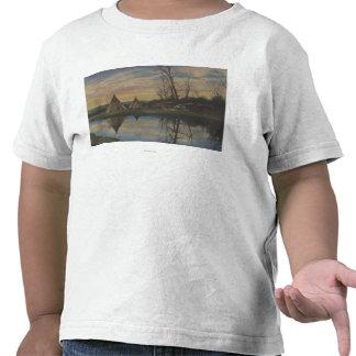 Escena de la salida del sol en un indio del noroes camiseta