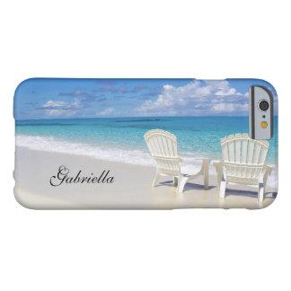 Escena de relajación de la playa con la caja del funda de iPhone 6 barely there