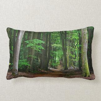 Escena del bosque cojín