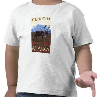 Escena del caribú - el Yukón, Alaska Camiseta