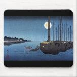 Escena del claro de luna en un río con los barcos, tapetes de raton