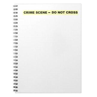 Escena del crimen - no cruce libros de apuntes con espiral