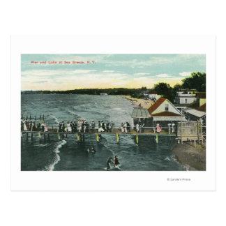 Escena del embarcadero y del lago de la brisa de postal