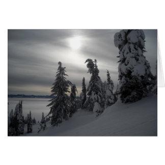 Escena del invierno de los días Nevado Tarjetón
