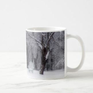 Escena del invierno de Maine Taza Clásica