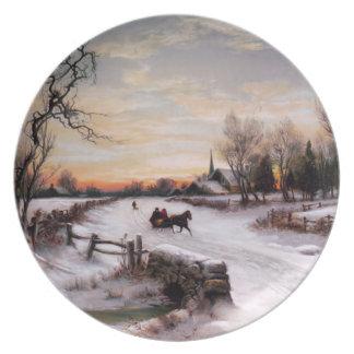 Escena del invierno del vintage. Placas del regalo Platos