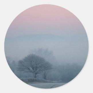 Escena del invierno en Irlanda Pegatina Redonda