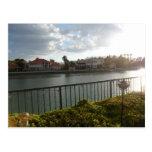 Escena del lago tarjeta postal