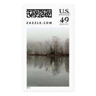 Escena del lago y del árbol winter de Austria Sello