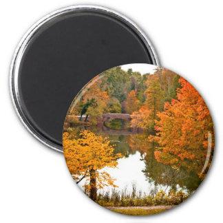Escena del otoño imán redondo 5 cm