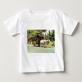 Escena del vintage en Java central, templo, T-shirts