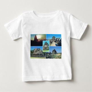 Escena del vintage en Java central, templo, Camiseta