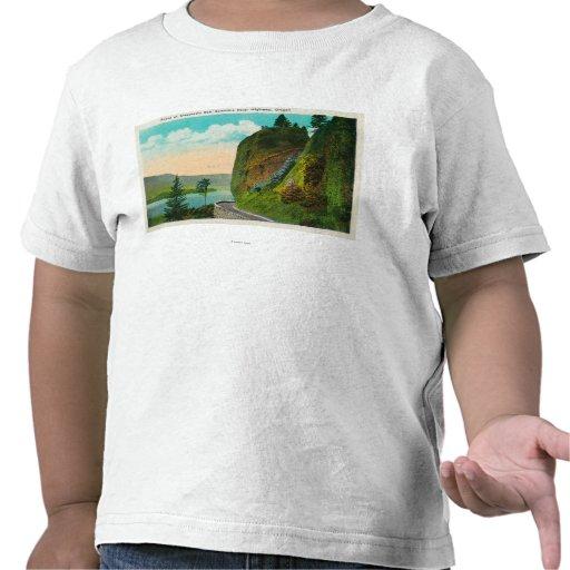 Escena en Dell de Shepperd en el río Columbia Camiseta
