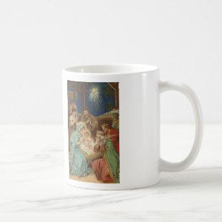 Escena en la taza de café de la puntada de la cruz