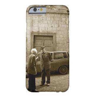 Escena italiana de la calle en caso de la sepia funda de iPhone 6 barely there