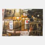 Escena japonesa de la ciudad toalla de mano
