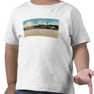 Escena municipal del campo de aterrizaje del aerop camisetas