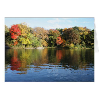 Escena preciosa del otoño felicitación
