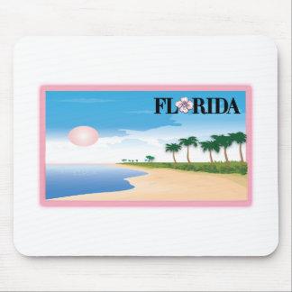 Escena rosada de la playa de la postal del hibisco tapetes de ratones