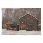 Escena rústica de la nieve del vintage del granero mantel