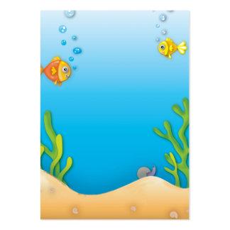 escena subacuática de los pescados lindos de la tarjetas de visita grandes