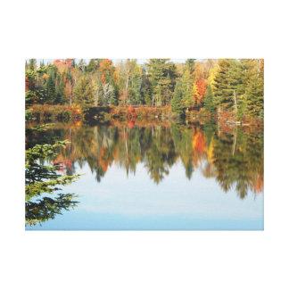 Escena superior del otoño del río del cacho del Ad Lienzo Envuelto Para Galerías