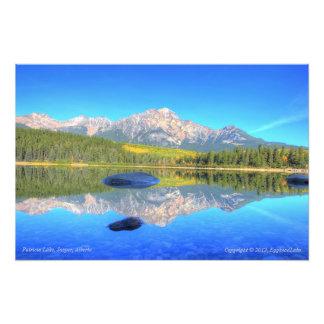 Escena tranquila en el lago patricia fotografía