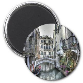 Escena urbana en el imán de Venecia