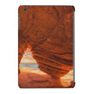 Escénico de la cueva erosionada de la piedra funda para iPad mini retina