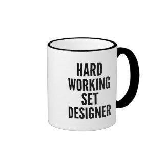 Escenógrafo de trabajo duro taza de café