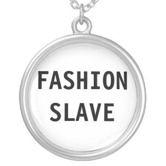 Esclavo de la moda del collar