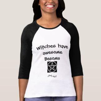 Escobas impresionantes - camiseta de las brujas