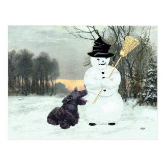 Escocés feliz Terrier y muñeco de nieve Postal