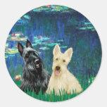 Escocés Terrier (dos-BW) - lirios 5 Pegatina Redonda