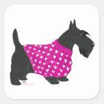 Escocés Terrier en un suéter Calcomanía Cuadradas Personalizadas
