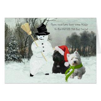 Escocés y Westie con el muñeco de nieve Tarjeta De Felicitación